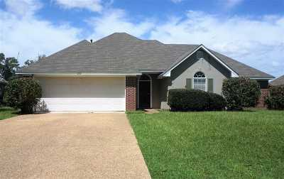Pearl Single Family Home For Sale: 115 Live Oaks Blvd