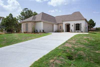 Madison Single Family Home For Sale: 503 Caroline Blvd