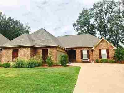 Madison Single Family Home For Sale: 113 Remington Cv