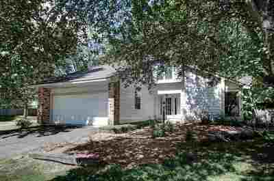 Clinton Single Family Home Contingent/Pending: 8 Northwood Pl