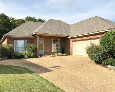 Brandon Single Family Home For Sale: 273 Cherry Bark Dr