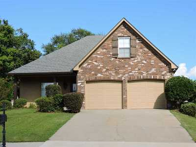 Madison County Single Family Home For Sale: 106 Wells Ct