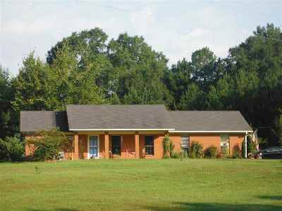 Carthage MS Single Family Home For Sale: $133,000