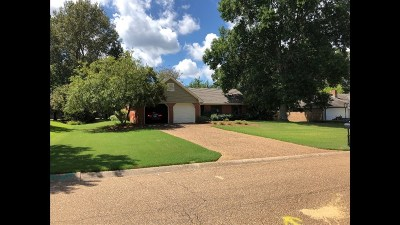 Madison County Single Family Home For Sale: 215 Timbermill Dr
