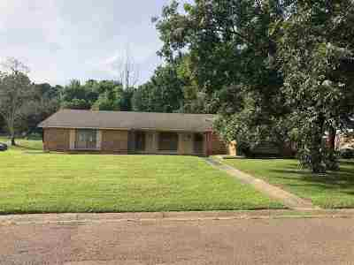 Hinds County Single Family Home For Sale: 296 Woodcliff Dr