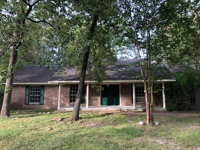 Brandon Single Family Home Contingent/Pending: 112 Whippoorwill Rd