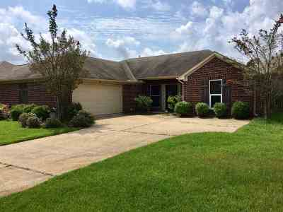 Ridgeland Single Family Home Contingent/Pending: 1983 Lincolnshire Blvd