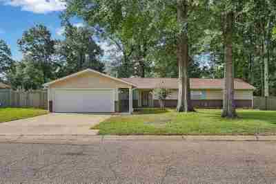 Brandon Single Family Home For Sale: 22 Woodbridge Rd