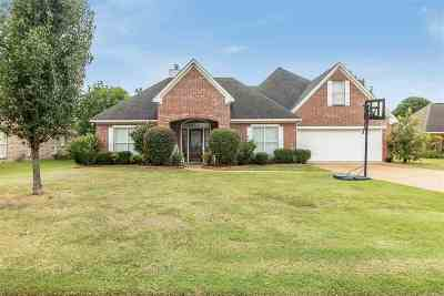 Madison Single Family Home For Sale: 471 Madison Oaks Dr