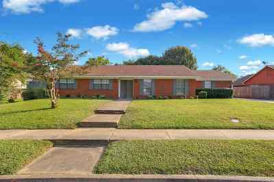 Clinton Single Family Home For Sale: 503 Hathaway Dr