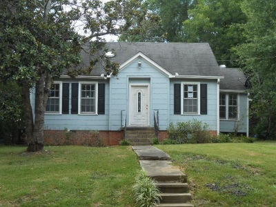 Single Family Home For Sale: 607 S Natchez St