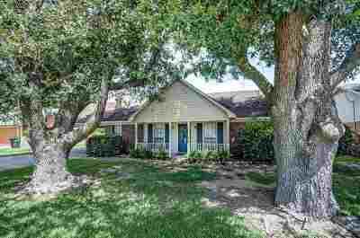 Ridgeland Single Family Home Contingent/Pending: 310 Beaver Creek Dr