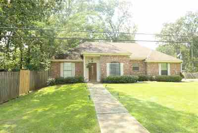 Jackson Single Family Home Contingent/Pending: 4065 West Lake Rd