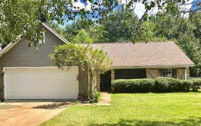 Byram Single Family Home For Sale: 472 River Bend Dr