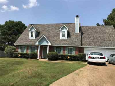 Madison County Single Family Home For Sale: 102 Concord Pl