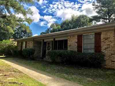 Pearl Single Family Home Contingent/Pending: 482 Robert Michael Dr