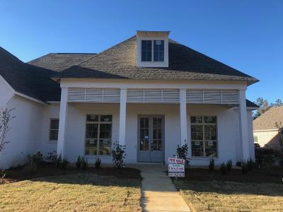 Madison Single Family Home For Sale: 221 South Woodcreek Rd