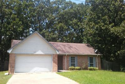 Hinds County Single Family Home For Sale: 2125 Thousand Oaks Dr