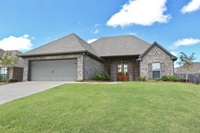 Madison Single Family Home For Sale: 149 Falls Crossing