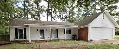 Ridgeland Single Family Home Contingent/Pending: 104 Brookhill Cv