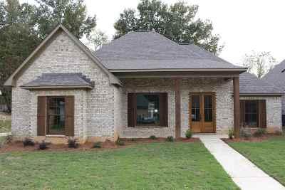 Lake Caroline Single Family Home For Sale: 135 Hampton Chase