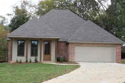 Lake Caroline Single Family Home For Sale: 137 Hampton Chase