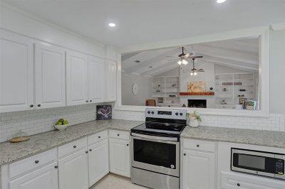 Brandon Single Family Home Contingent/Pending: 102 Glen Cove Rd