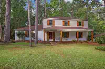 Brandon Single Family Home For Sale: 241 Magnolia Trail