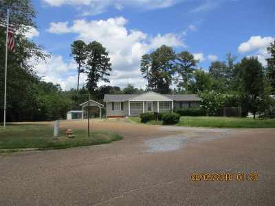 Single Family Home For Sale: 1019 Linden Dr