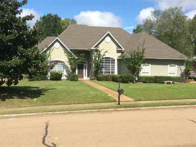 Madison County Single Family Home For Sale: 150 Whisper Lake Blvd