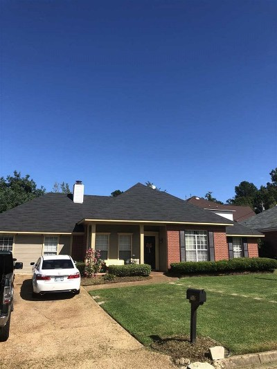 Madison County Single Family Home For Sale: 712 Hope Farm Rd