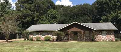 Madison County Single Family Home For Sale: 128 Meadowdale Dr