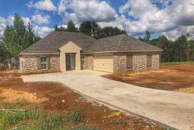 Madison County Single Family Home For Sale: 119 Tara Dr