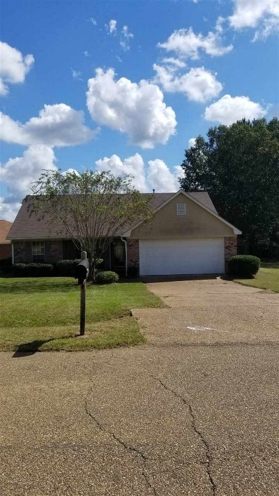 Hinds County Single Family Home Contingent/Pending: 5003 Cedar Glenn Ct
