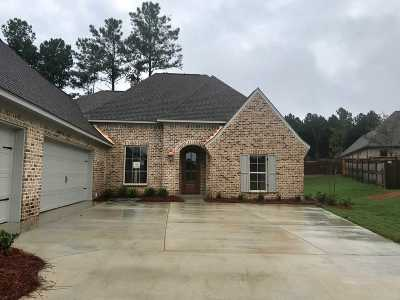 Madison Single Family Home For Sale: 120 Murrell Dr