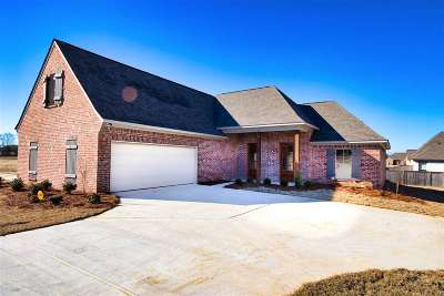 Canton Single Family Home For Sale: 115 Sweetbriar Ct
