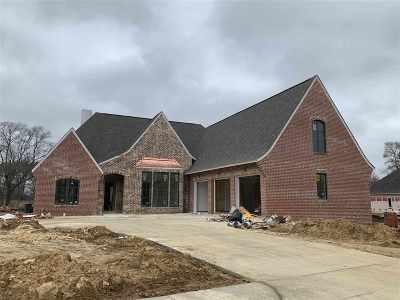 Madison Single Family Home For Sale: 402 Whittington Cir