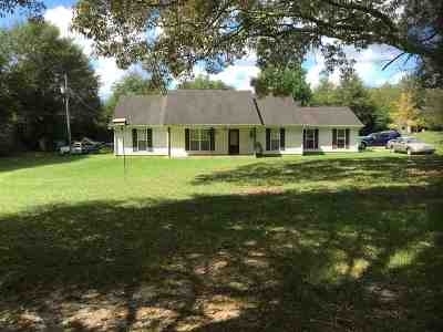Single Family Home Contingent/Pending: 509 Dub Lucky St