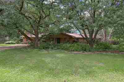 Madison Single Family Home For Sale: 104 Meadowdale Dr