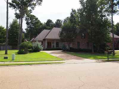 Madison Single Family Home For Sale: 406 Laural Court