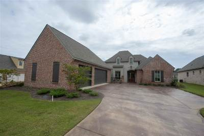 Madison Single Family Home For Sale: 106 Venice Way