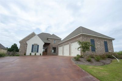 Madison Single Family Home For Sale: 109 Genoa Dr