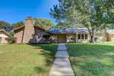 Clinton Single Family Home For Sale: 113 Heatherlyn Cir