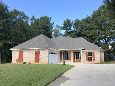 Ridgeland Single Family Home For Sale: 128 Chinquipin Cv