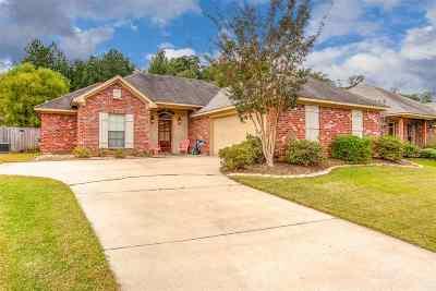 Brandon Single Family Home Contingent/Pending: 320 Azalea Ct