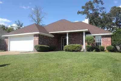 Rankin County Single Family Home Contingent/Pending: 708 Oak Ridge Way