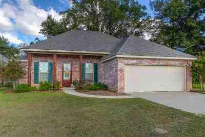 Brandon Single Family Home Contingent/Pending: 121 Pleasant Harbor Ave