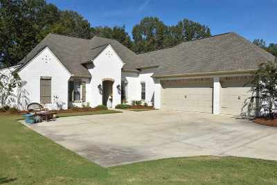 Madison Single Family Home For Sale: 115 Tail Feather Dr