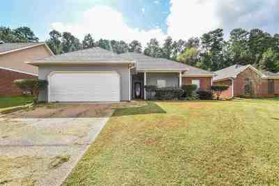 Brandon Single Family Home Contingent/Pending: 266 Azalea Ct