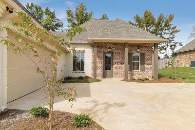 Canton Single Family Home For Sale: 114 Sweetbriar Cir